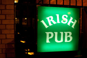 Picture of green sign saying IRISH PUB